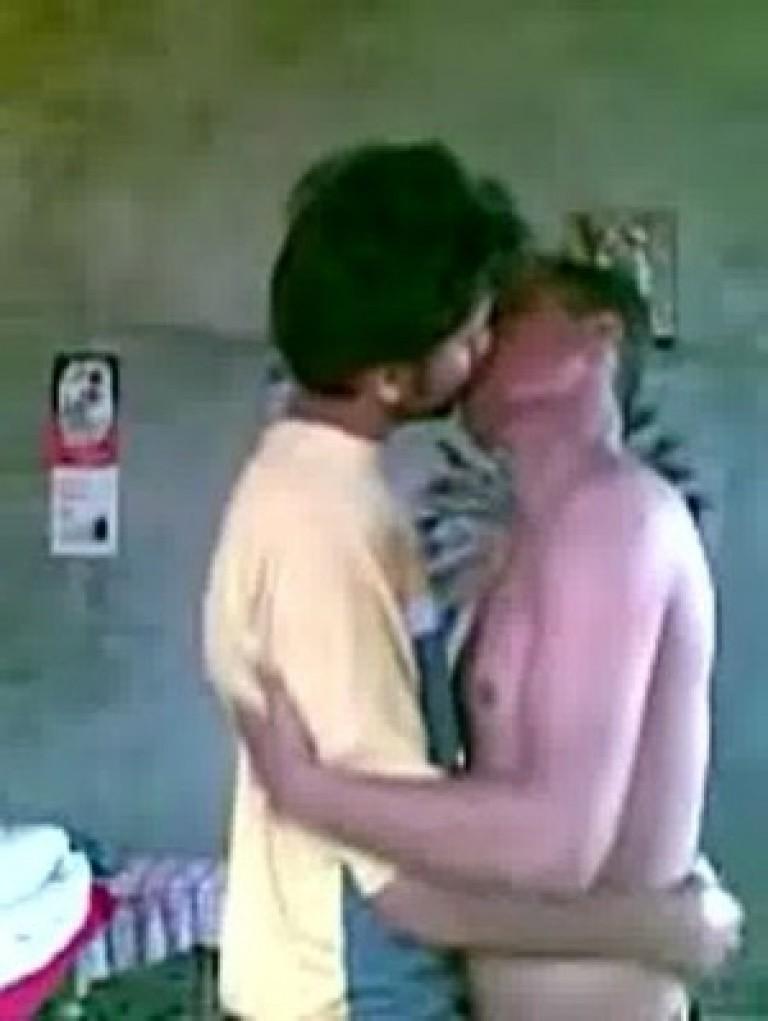 gay boys enjoy kissing
