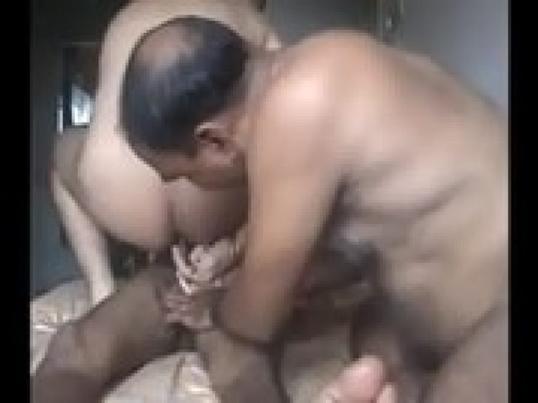 Indian gay family Gaand Phaaru chudai of Son , Daddy & gay Dada