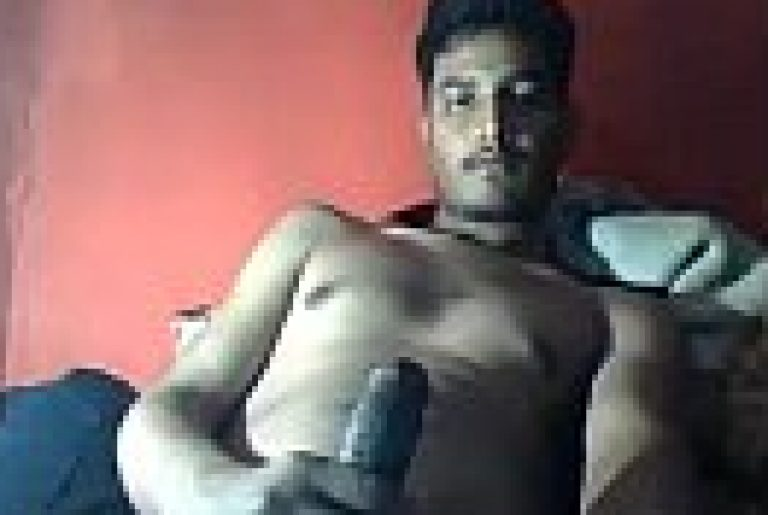 Indian Hyderabadi Muslim gay masturbating big dick