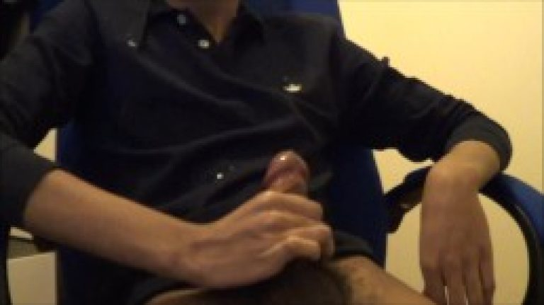 Hidden cam MMS of Indian gay office boss jerk & cumshot fun