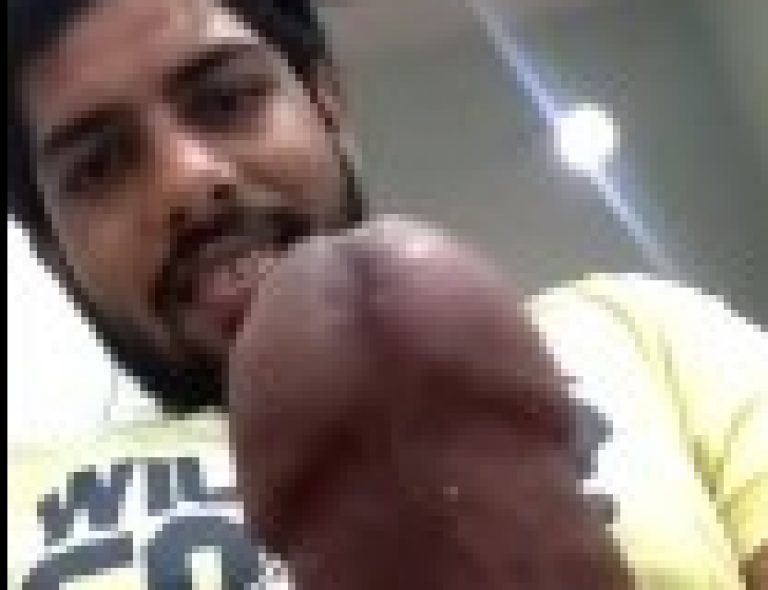 Hyderabadi Muslim Indian gay guy masturbate big dick online