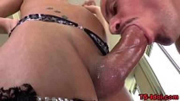 Shemale kinnar eat cum of gay & make huge cumshot at face