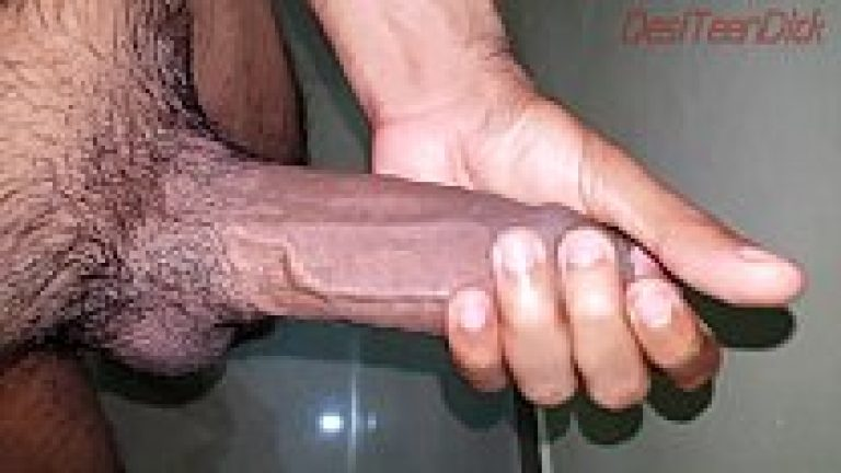 Big dick masturbation & cumshot seen by Kashmiri Indian gay